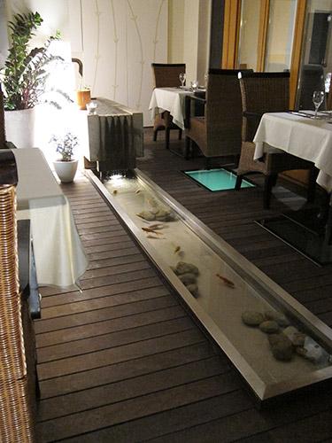 restaurant-pond