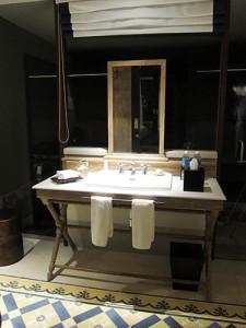 bathroom1-lom
