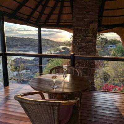 Namibia: arrival drama + Lake Oanob Resort